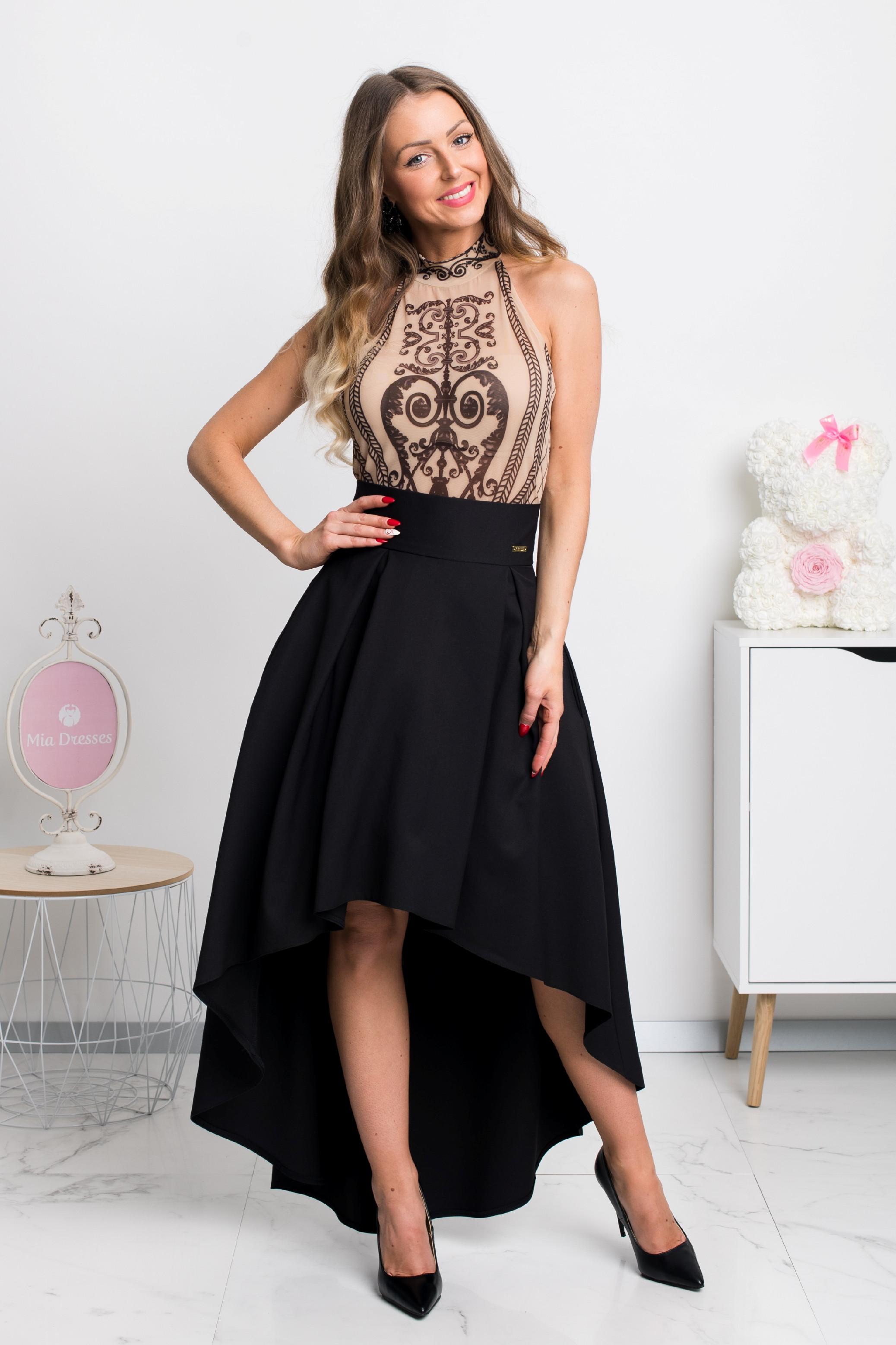 Čierna asymetrická sukňa Veľkosť: S