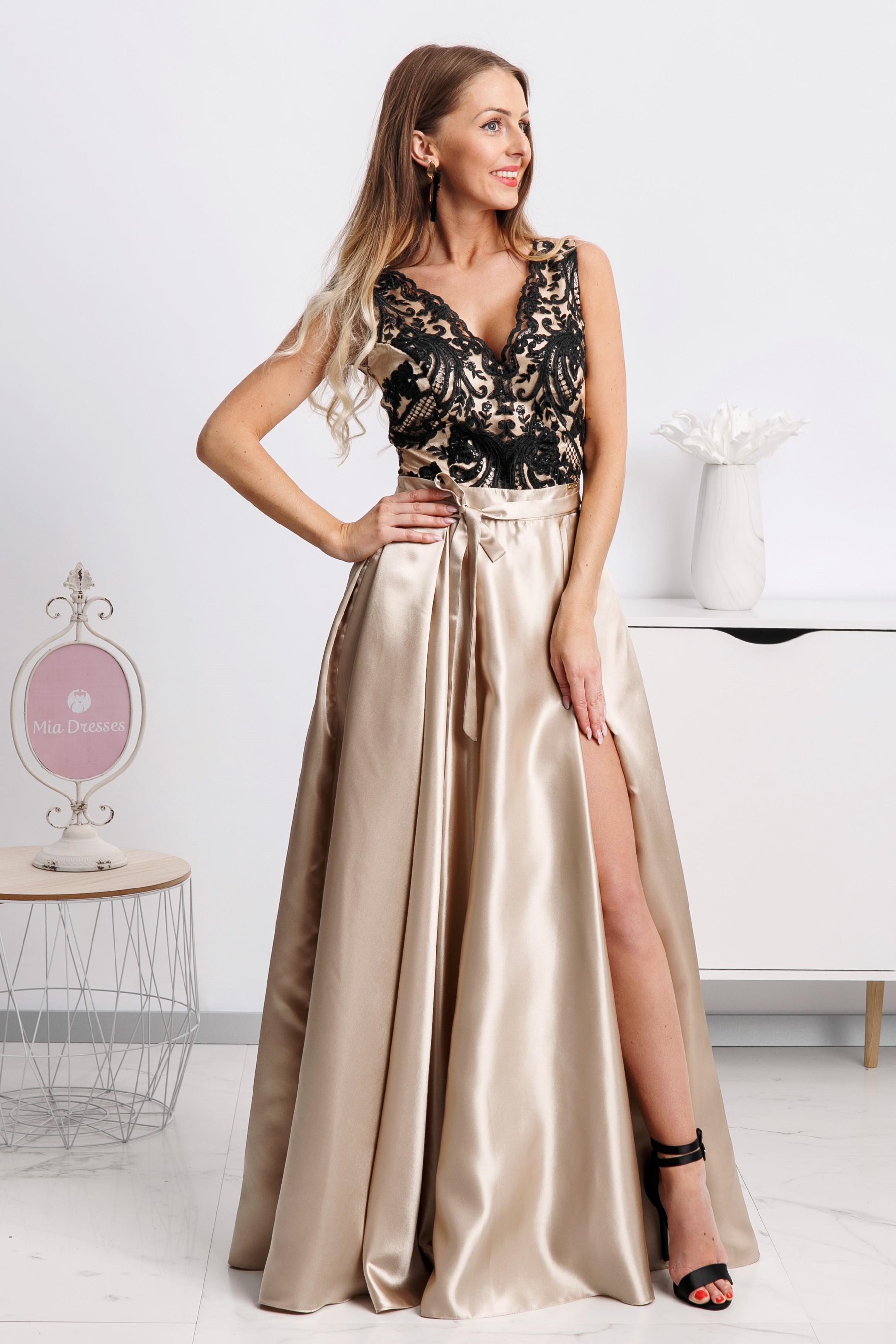 Zlaté spoločenské šaty s čiernou krajkou Veľkosť: XS
