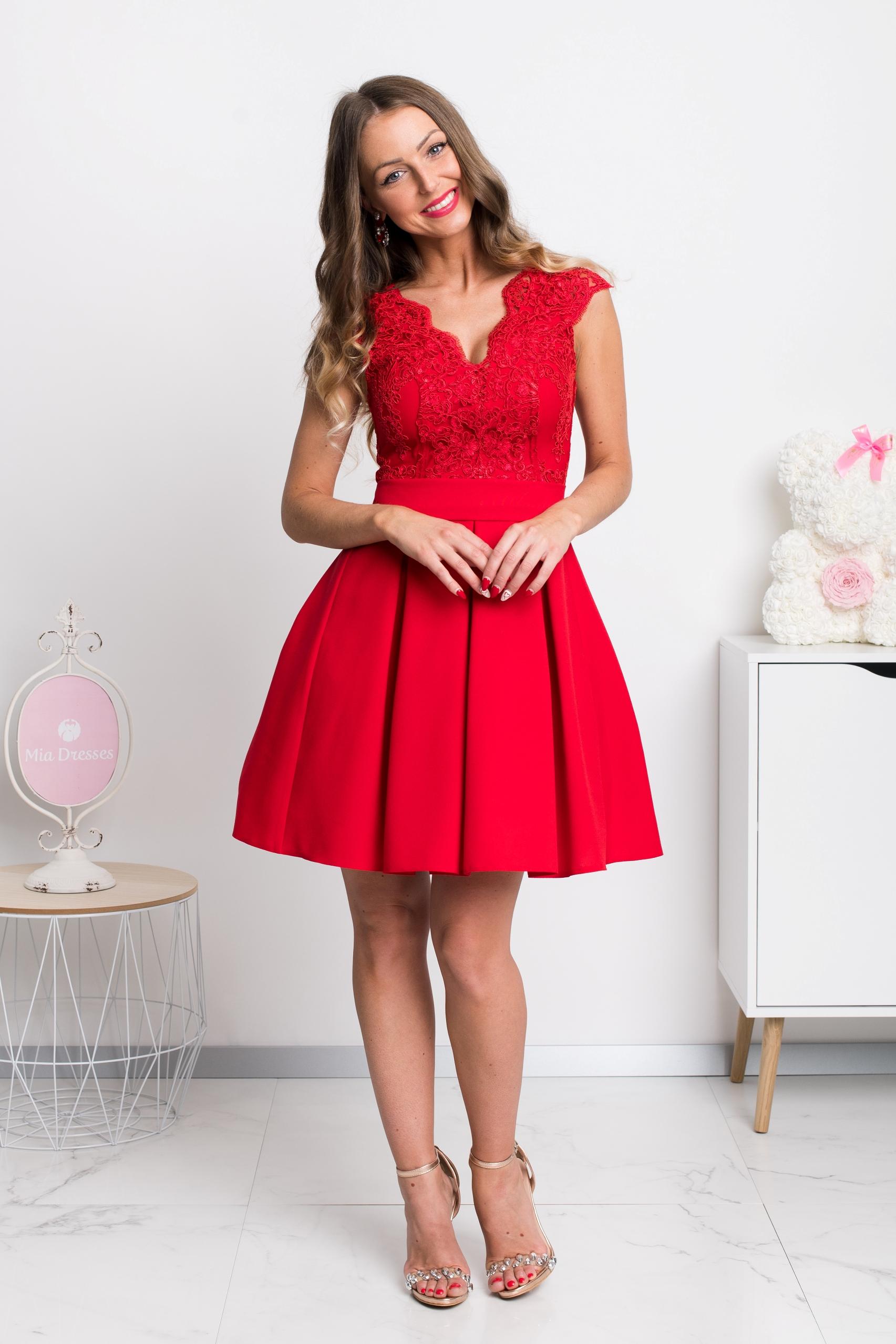 Červené spoločenské mini šaty s áčkovou sukňou Veľkosť: XS