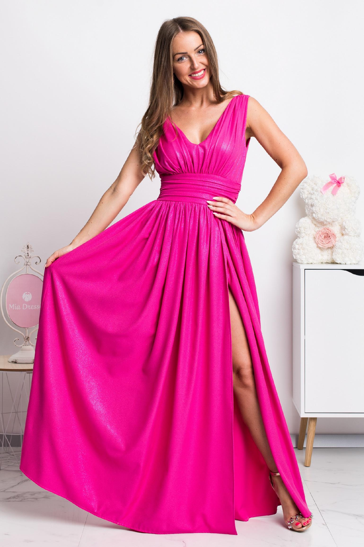 Cyklaménové spoločenské šaty s jemnými flitrami Veľkosť: XS
