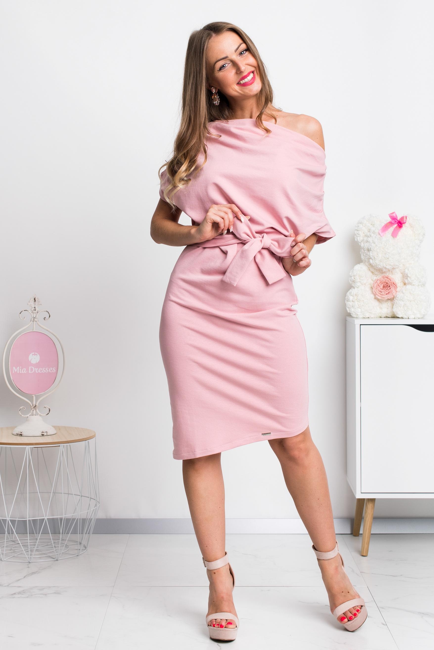 Ružové krátke šaty Veľkosť: L