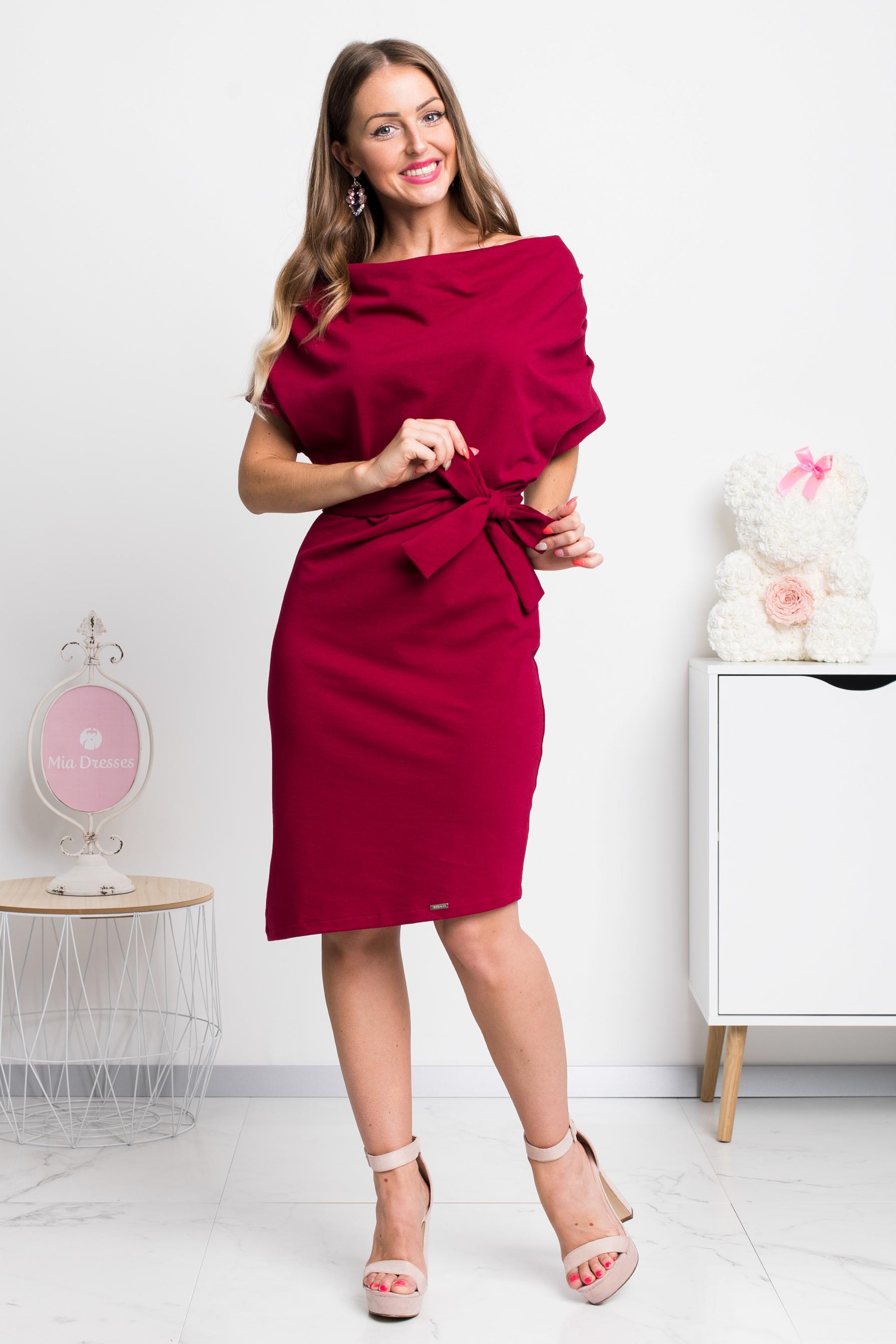 Bordové krátke šaty Veľkosť: S