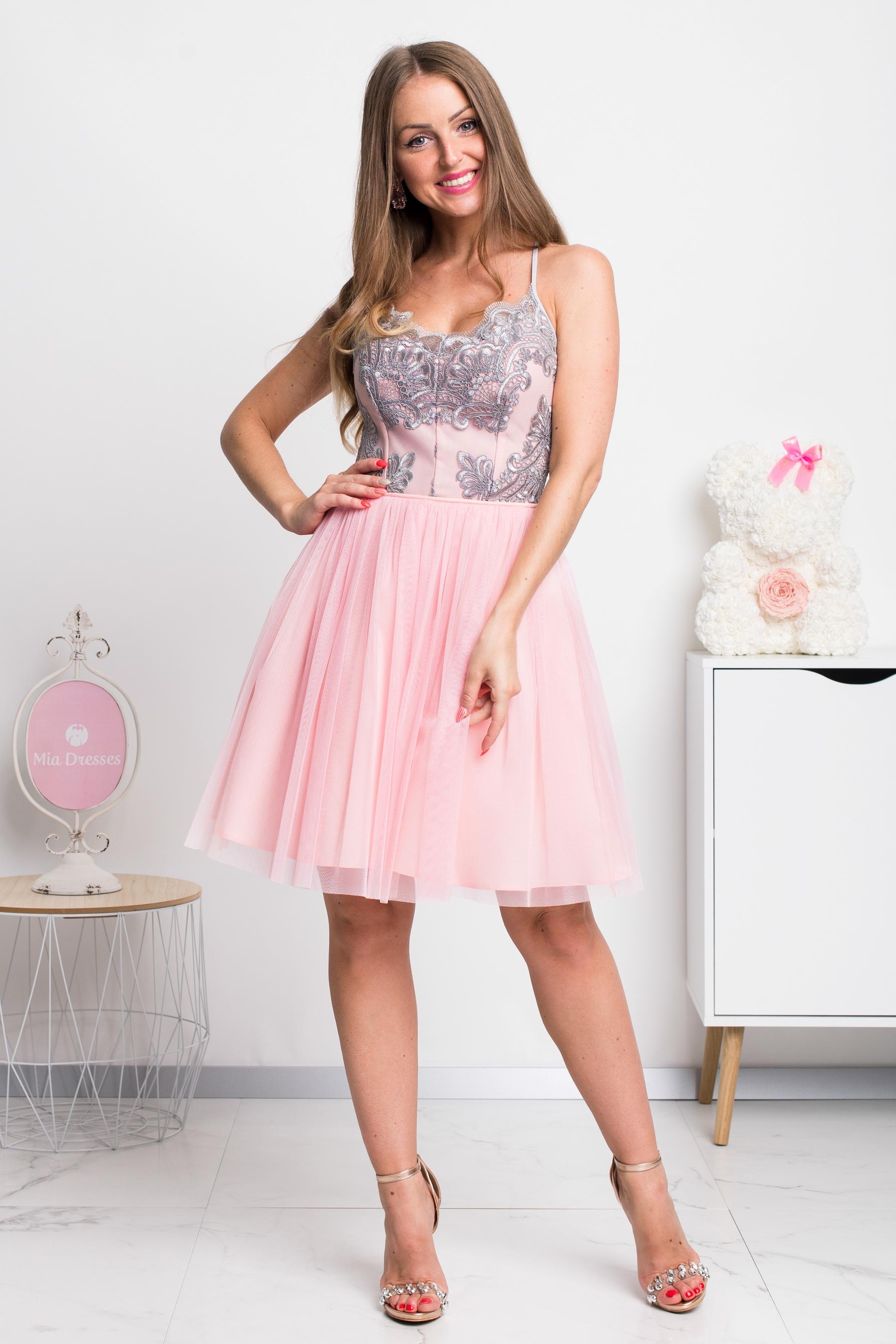Ružovo-sivé spoločenské krátke šaty na ramienka Veľkosť: L