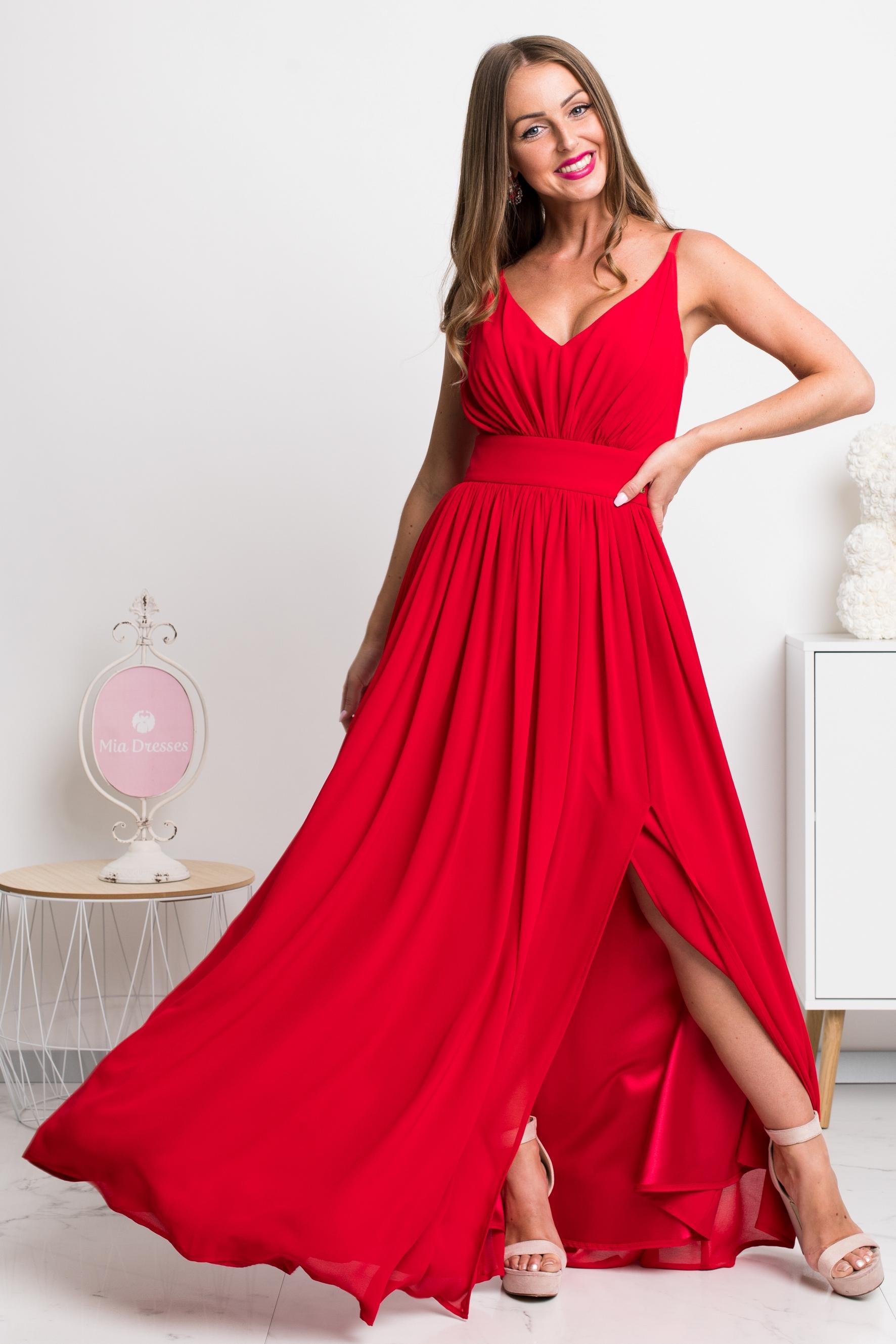 Červené spoločenské šaty na ramienka Veľkosť: S