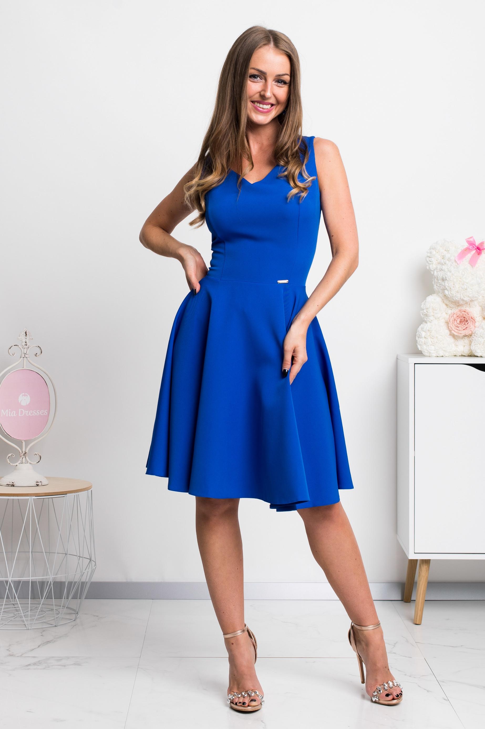 Modré krátke šaty s áčkovou sukňou Veľkosť: M
