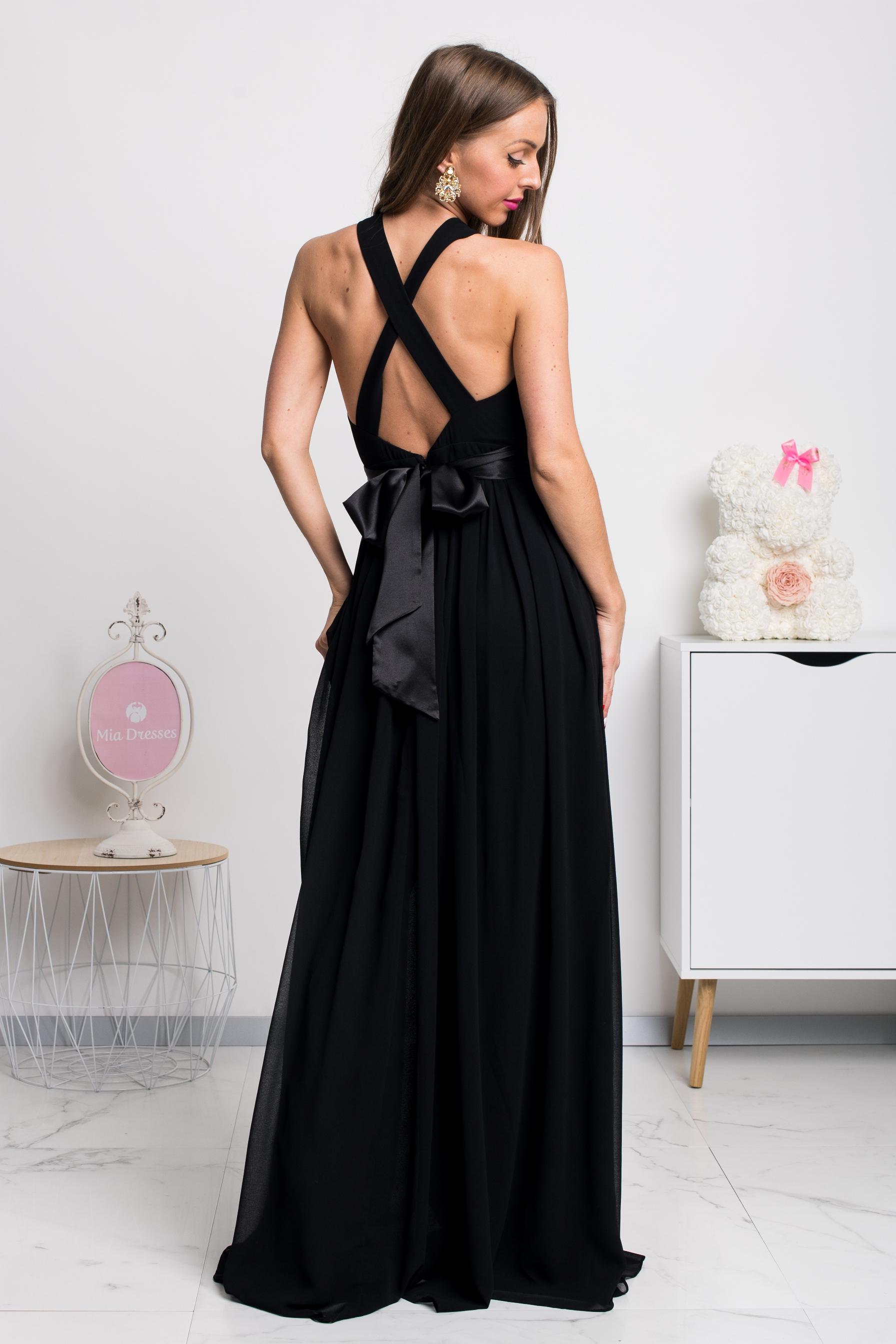 Čierne šifónové spoločenské šaty s odhaleným chrbtom Veľkosť: L