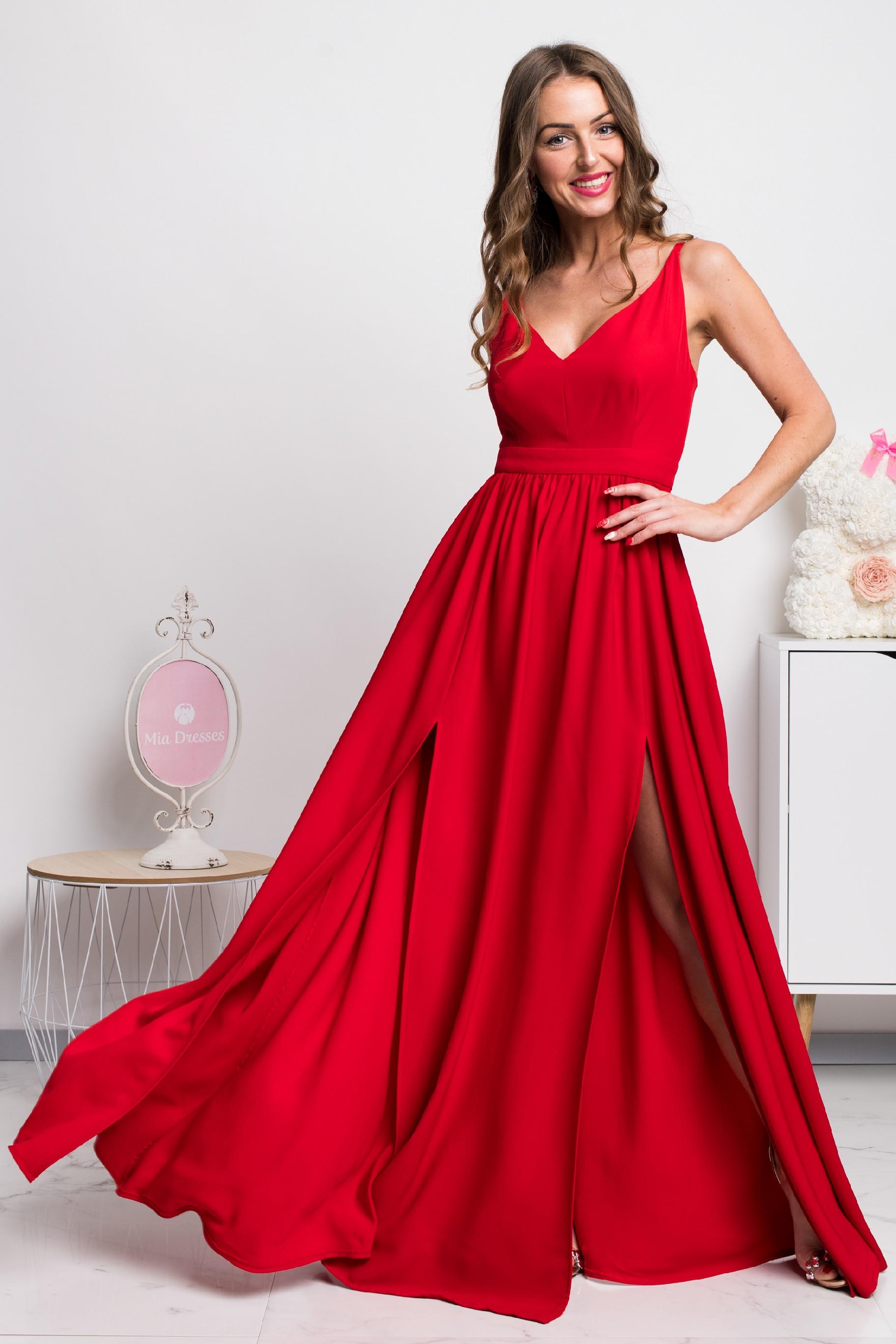 Červené dlhé spoločenské šaty s rozparkami Veľkosť: XS