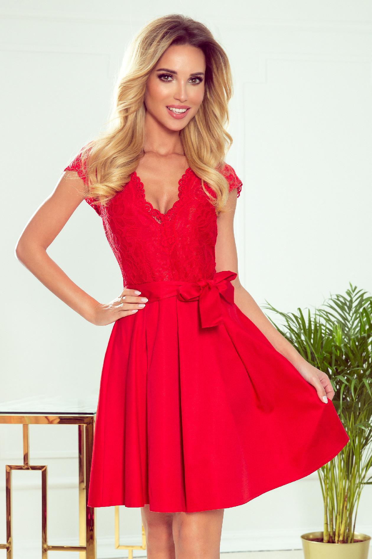 Červené krátke šaty s čipkou Veľkosť: S
