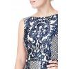 Tmavomodré spoločenské šaty s flitrami
