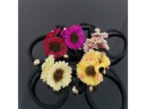 Gumička s květy a korálky