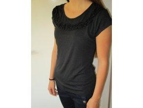 Černé tričko s volánky Cache Cache