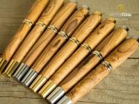 Ručně vyrobená olivová pera jsou opravdu zajímavé kusy.