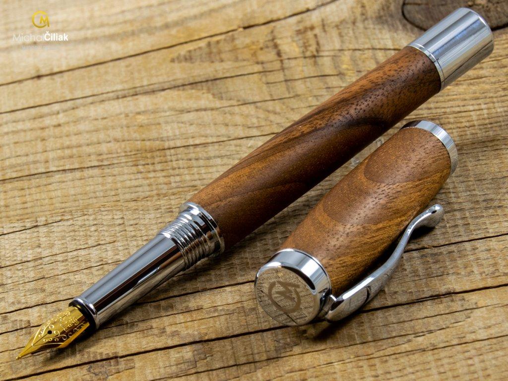 darek pro muze darkove pero s gravirovanim plnici kulickove drevene 1 1812