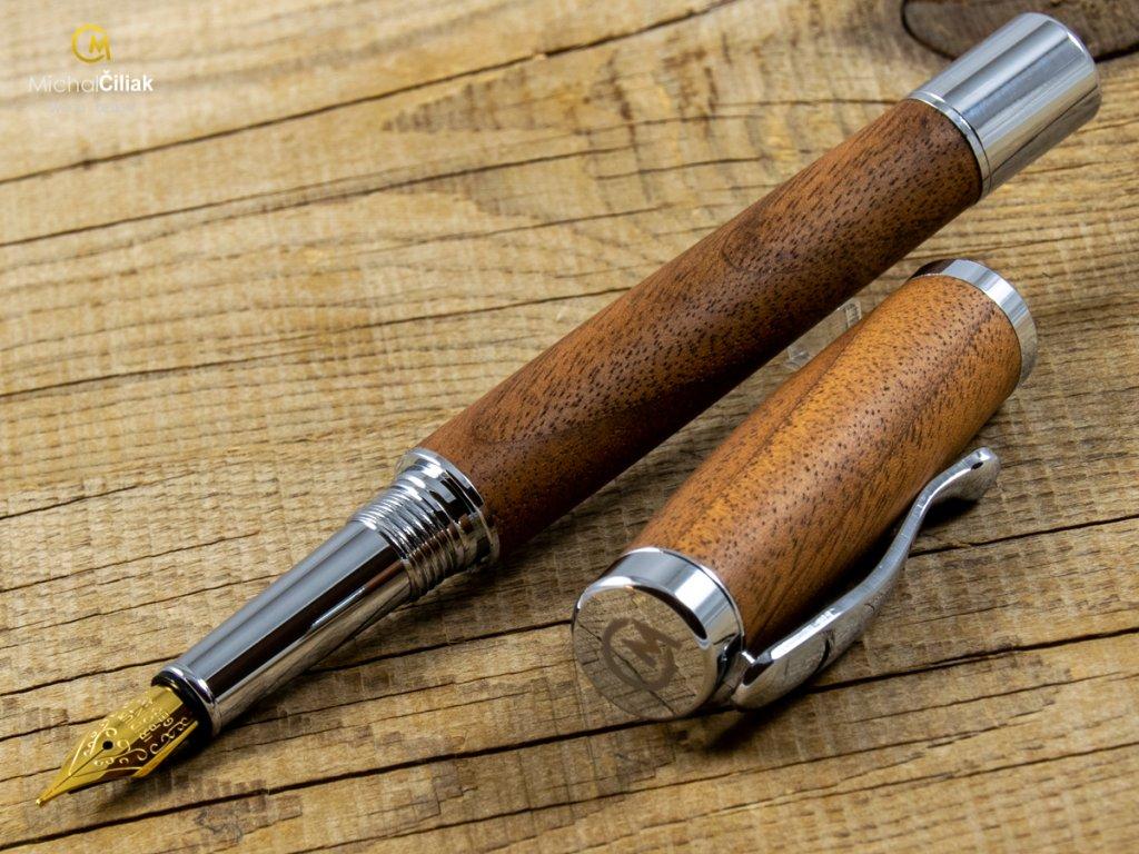 darek pro muze darkove pero s gravirovanim plnici kulickove drevene 1 1819