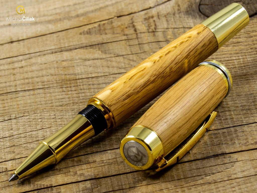 darek pro muze darkove pero s gravirovanim plnici kulickove drevene 1 1824 2