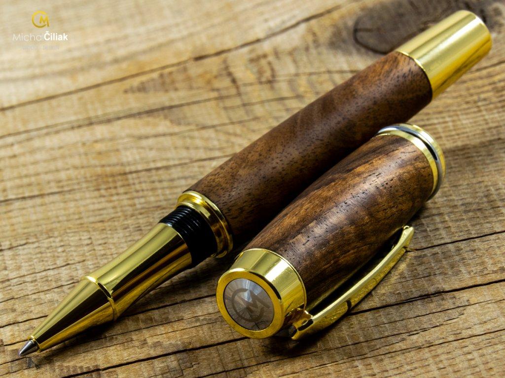 darek pro muze darkove pero s gravirovanim plnici kulickove drevene 1 1866