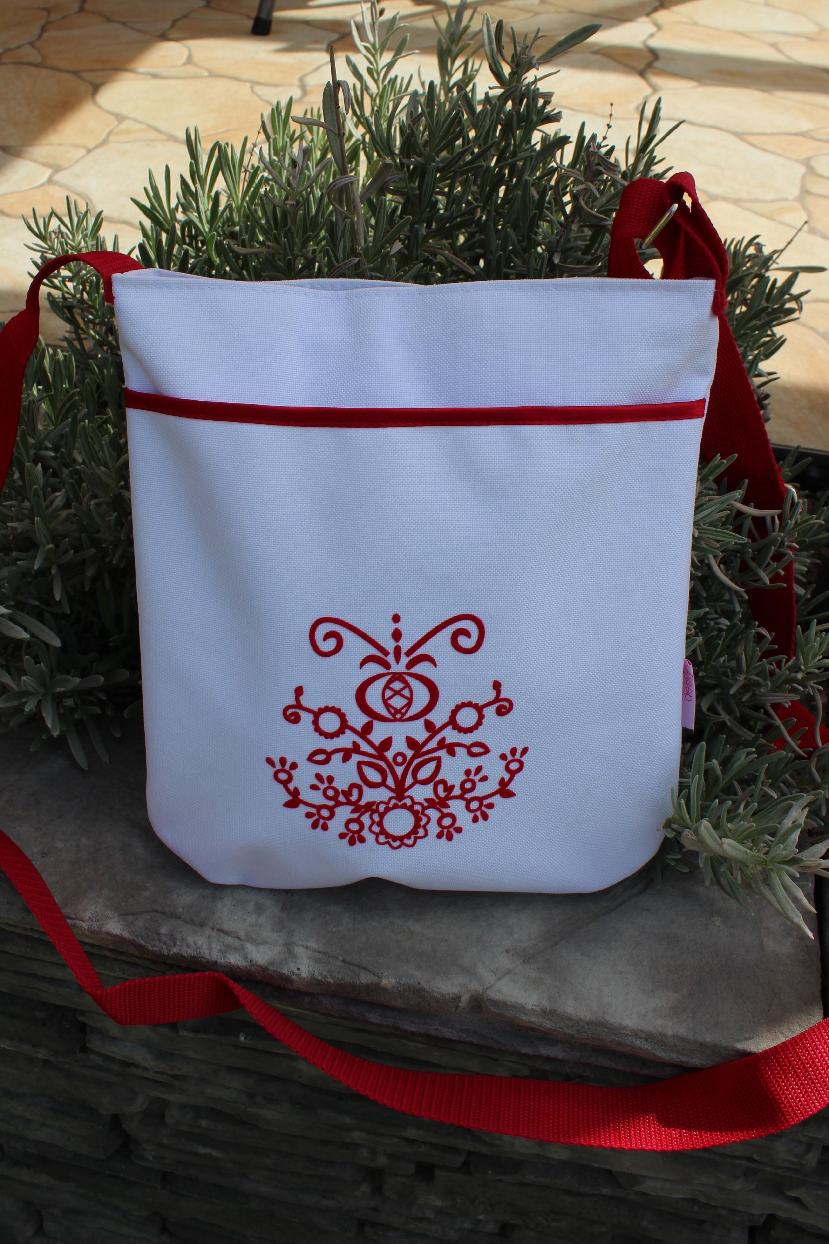 folklórní kabelky