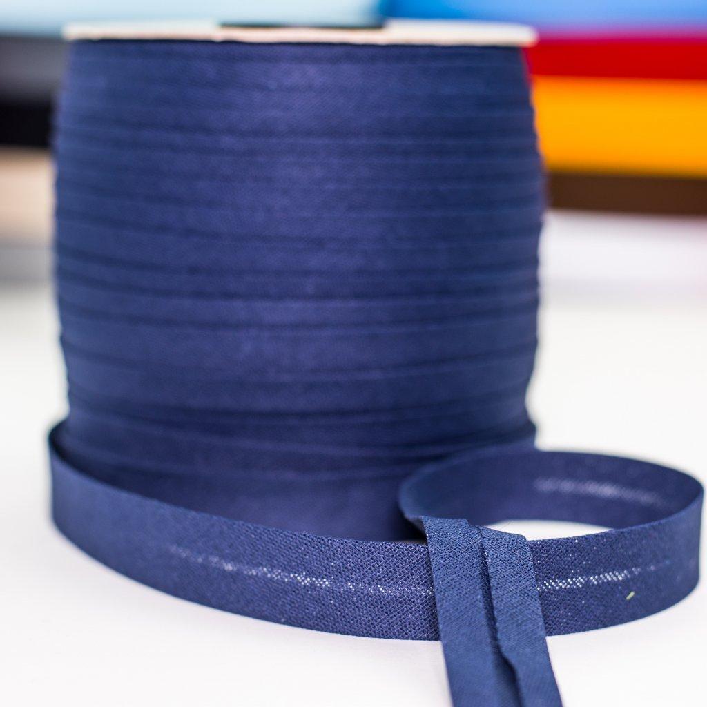 šikmý proužek lemovací bavlněný tmavě modrý