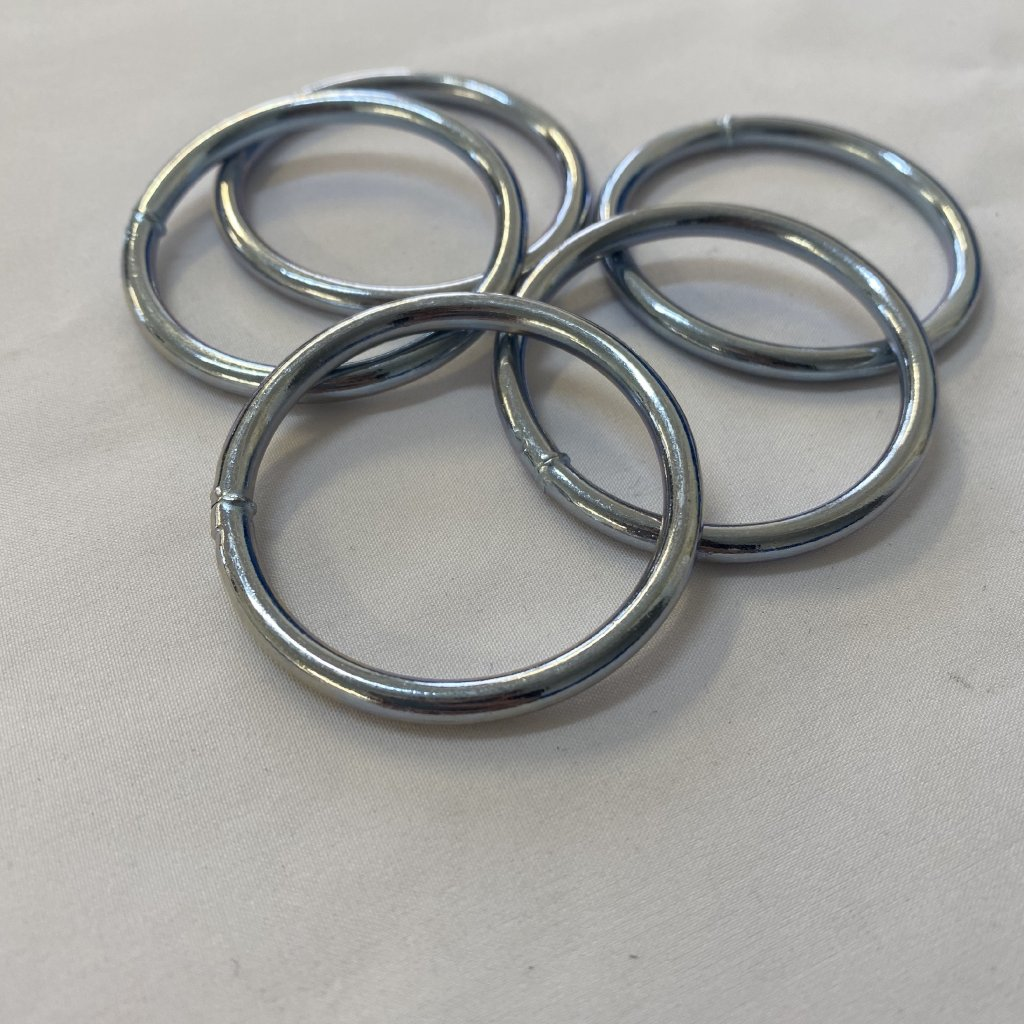 500609 kroužek kovový 4cm (2)
