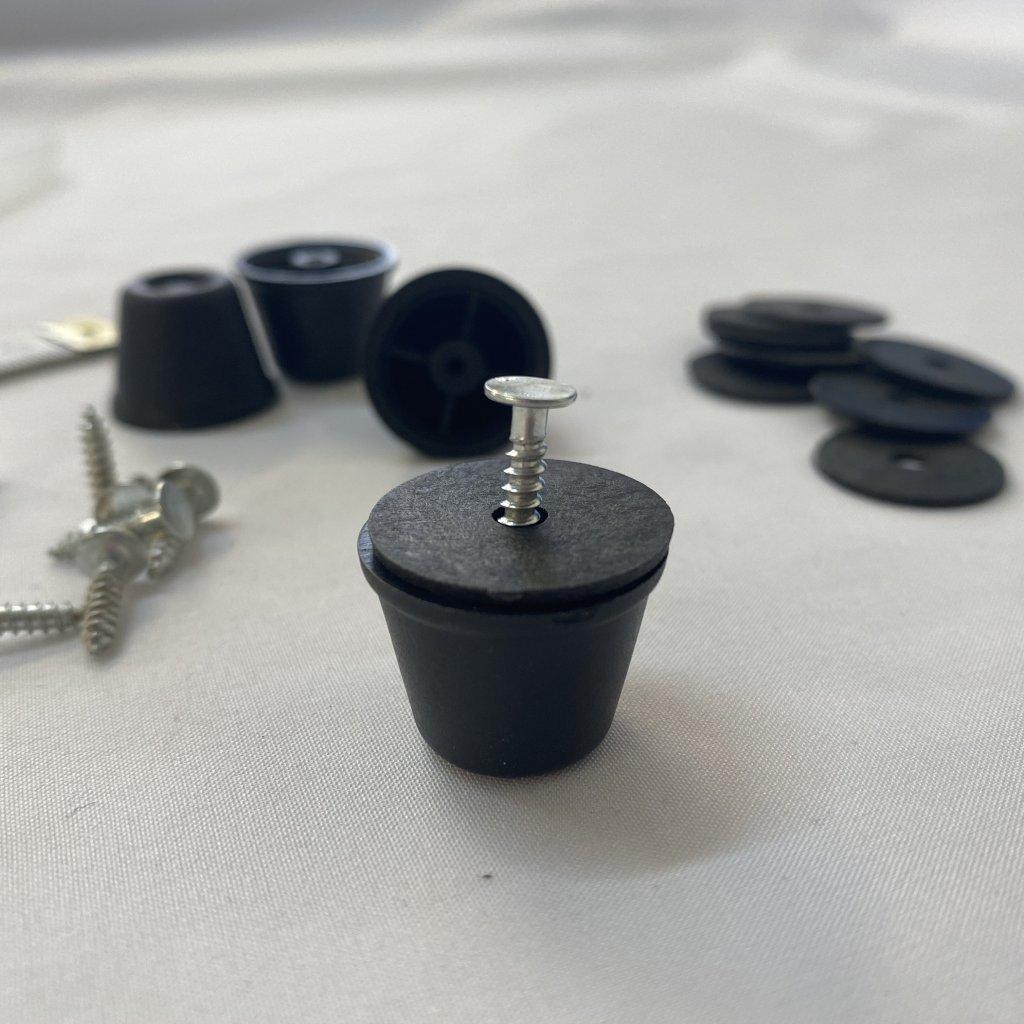 500453 nožka tašky plastová velká černá (4)