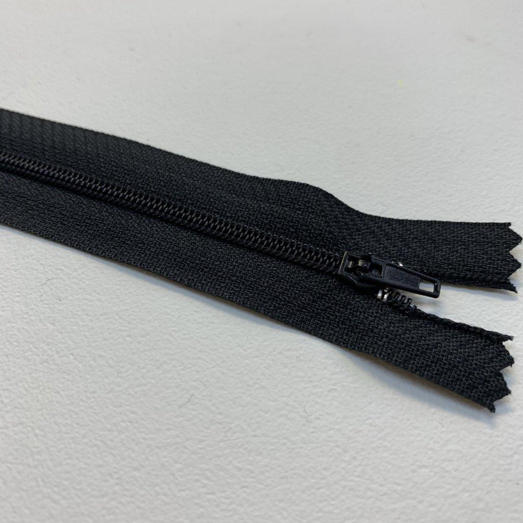 zip spirálový No3 černá