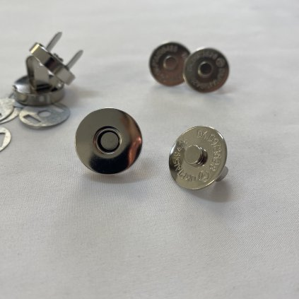 500815 zapínání tašky magnetické kulaté (2)
