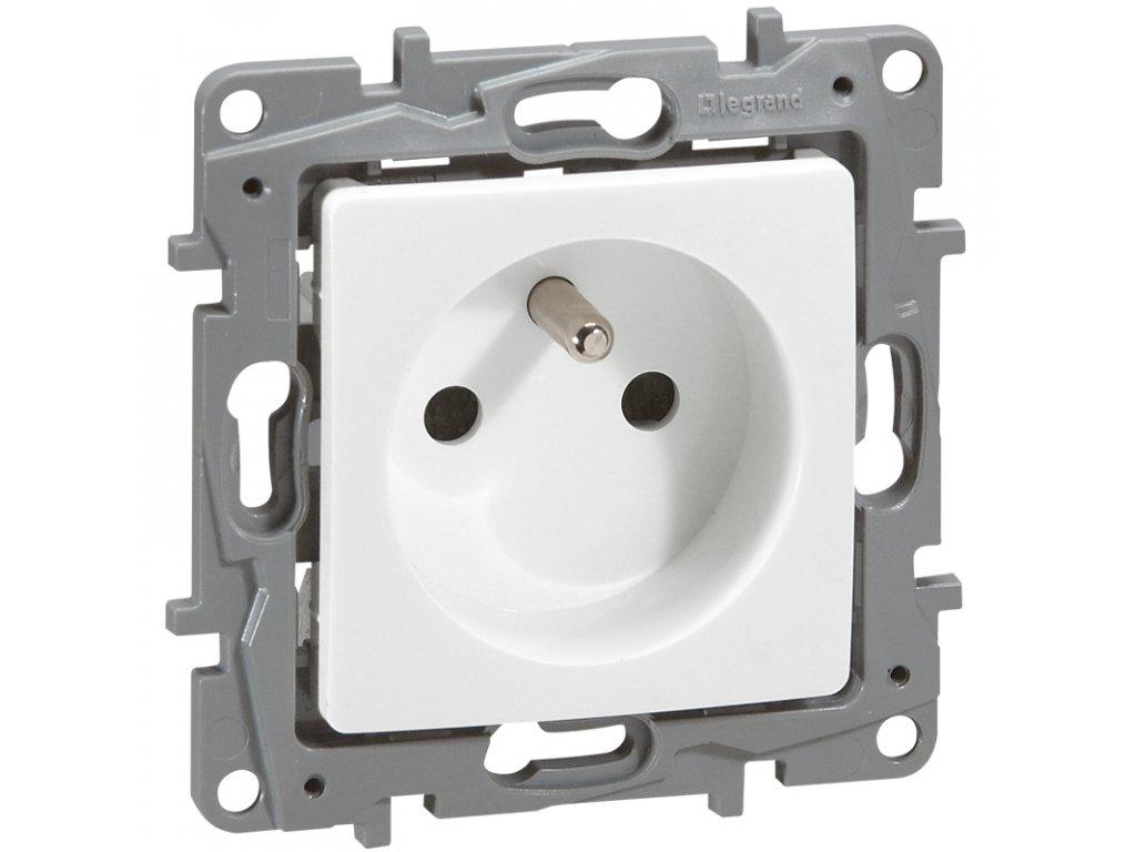 Zásuvka 2P+T - Bílá Niloé 764540 (664540)