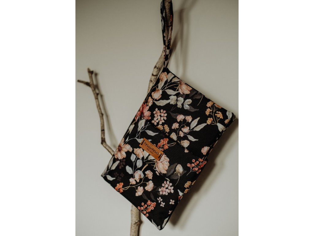 Plenkovník černé květy