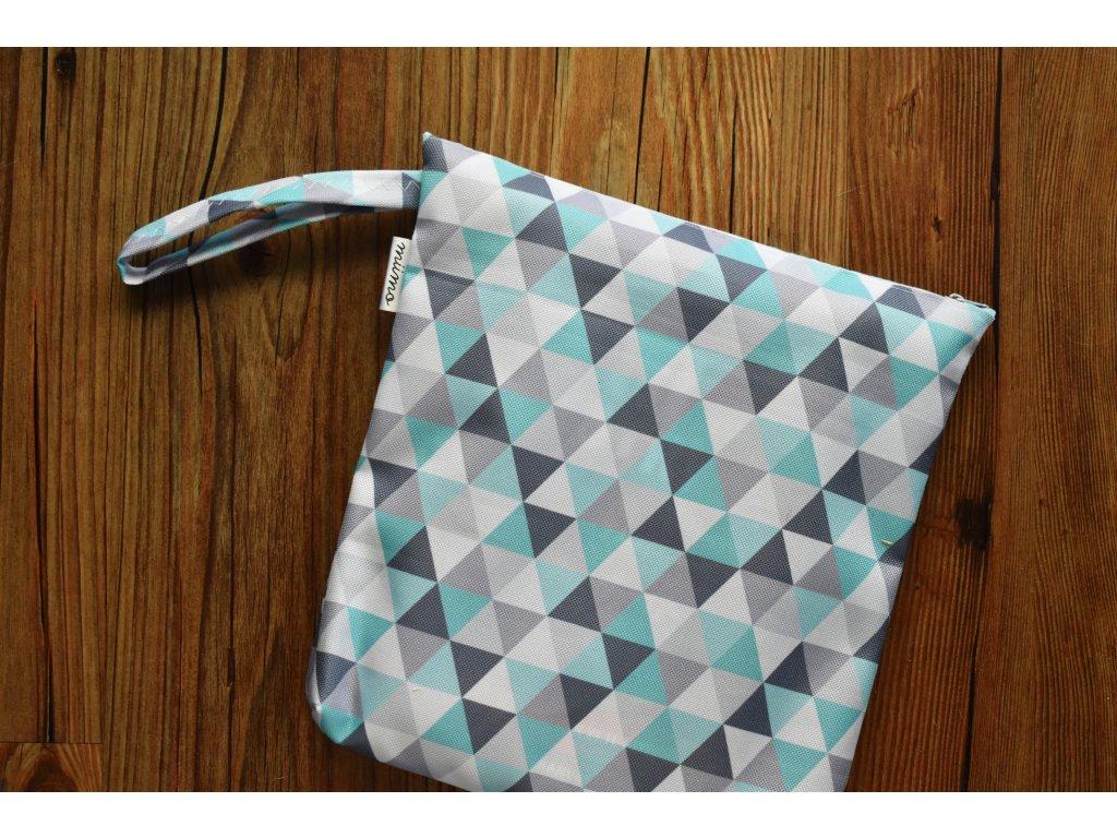 Pytlík na oblečení tyrkysové trojúhelníky
