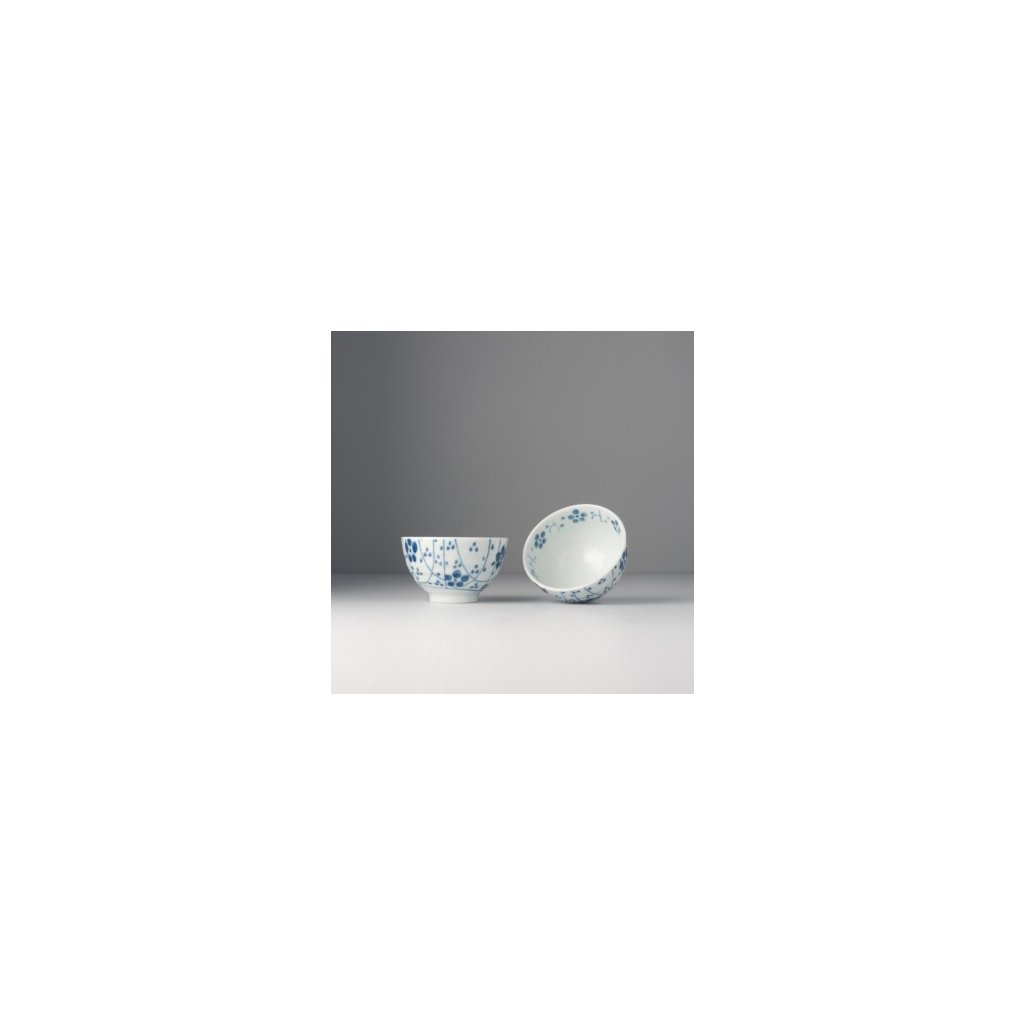 Tea bowl with flower pattern Teacup