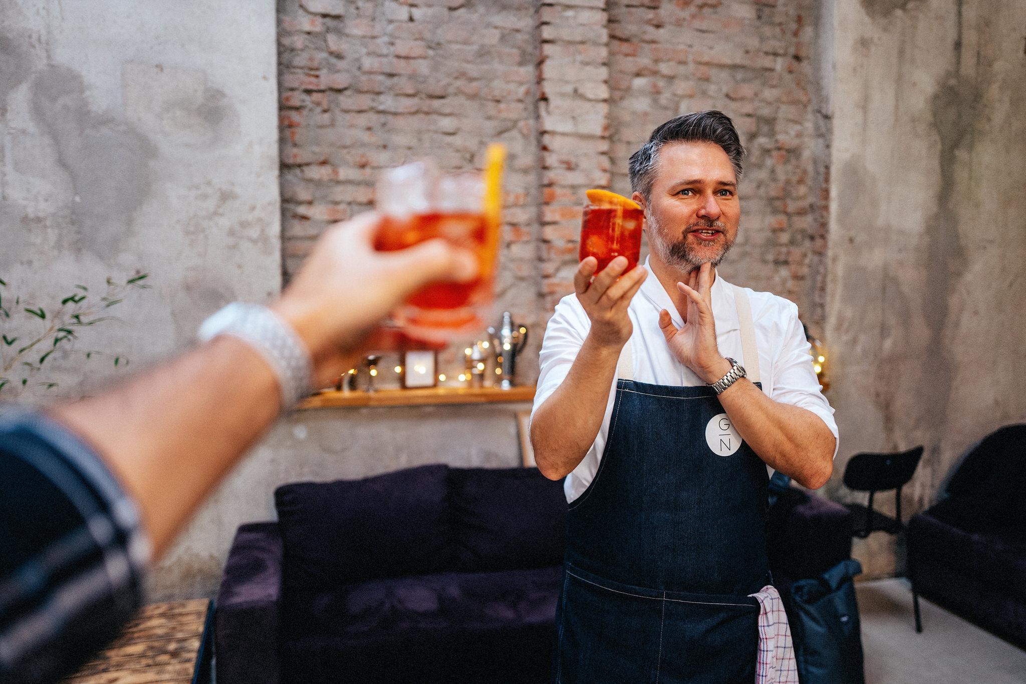 PŘIJĎTE: Online Cocktail Class s G. Němcem a M. Žufánkem