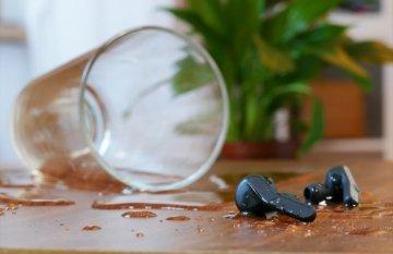 Jak vyčistit sluchátka do uší?