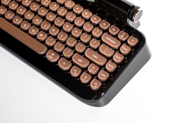 rymek_mechanical_keyboard_class_black_600x600