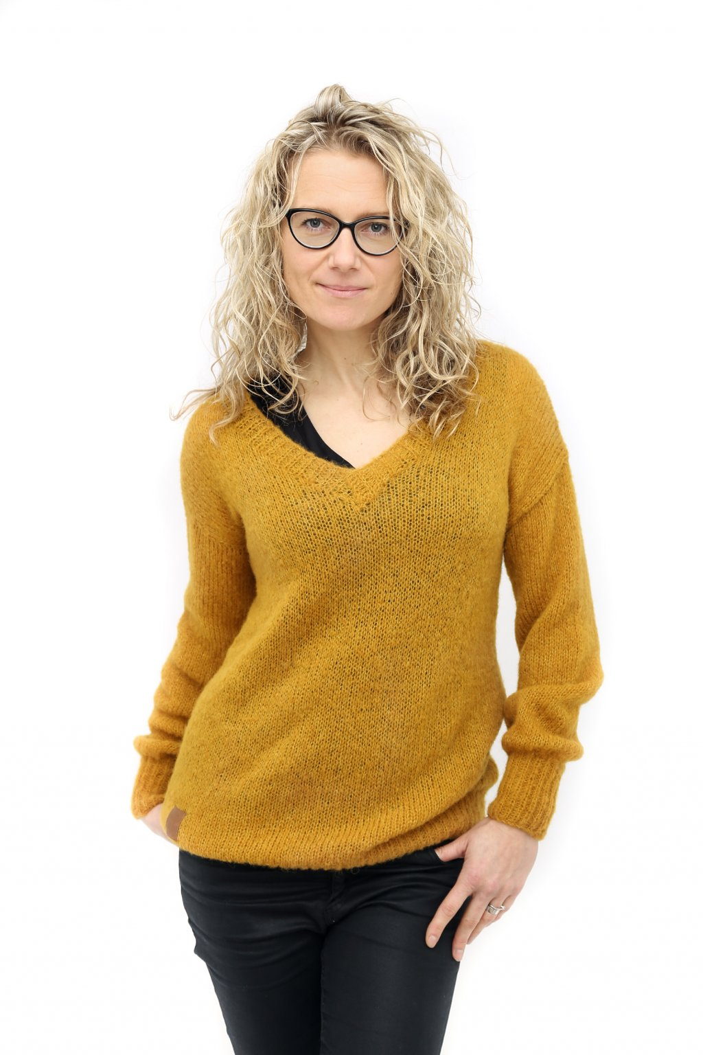 Horčicový svetr pletený