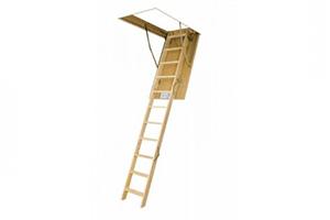 Schody s dřevěným žebříkem