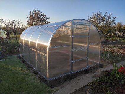 Zahradní skleník z polykarbonátu VOLYA AMBER  + 5x tyče na rajčata