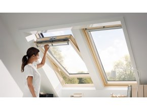 GGL pine centre pivot roof window[3]