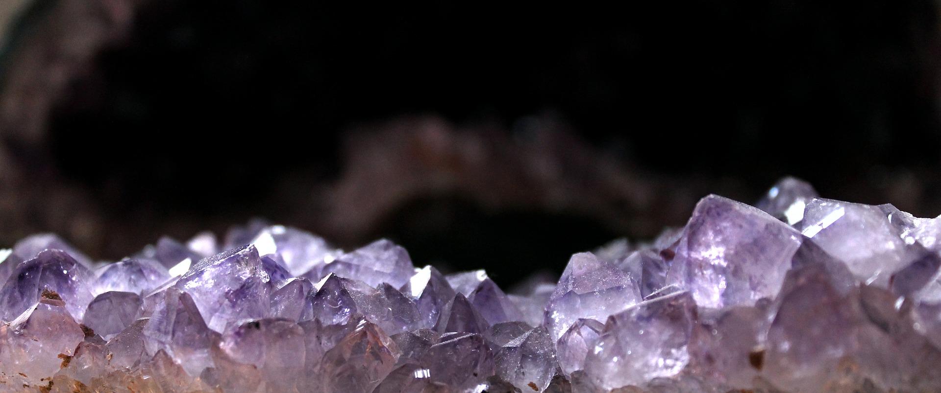 Kameny jako pomoc při onemocnění
