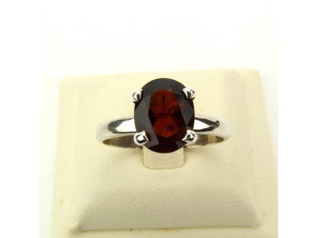Rodolit prsten