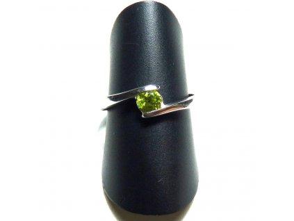 Olivín prsten
