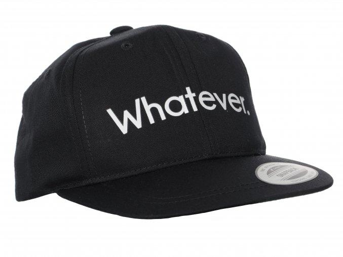 Dětská černá kšiltovka typu snapback, klasika od značky Yupoong. Čelní bílý nápis Whatever (pro mě za mě).