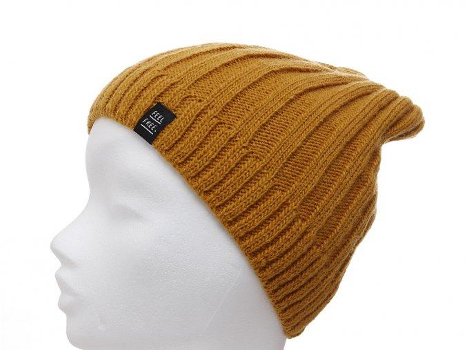 Dětská zimní pletená čepice ve tvaru beanie s žebrovou strukturou a příměsí vlny. Podšívka ve tvaru silné čelenky je z velmi jemné 100% bavlny, takže čepice zahřeje, bude dobře sedět a nebude kousat.