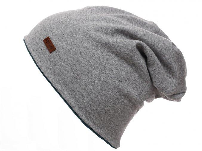 Oboustranná zateplená čepice. Jedna světle šedý melír bavlna, druhá tmavě zelený fleece.