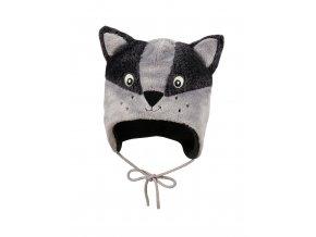 Dětská zimní beranice z šedého kožíšku a s fleecovou podšívkou. Dvě velké uši a nášivka obličeje mývalího medvídka v odstínech šedé barvy.