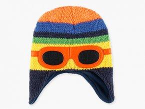 <p>Dětská zimní pletená čepice s dlouhýma ušima na knoflíkové zapínaní pod bradou, a s fleecovou podšívkou. Vtipná nášivka ve tvaru brýlí na čele.</p>