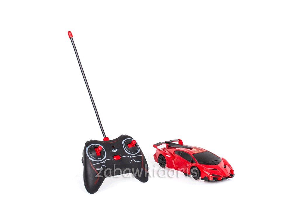 Sportovní autíčko pro jízdu na zdi