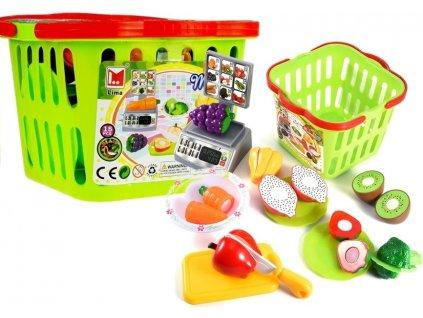 Váha a nákupní košík se zeleninou na krájení 4