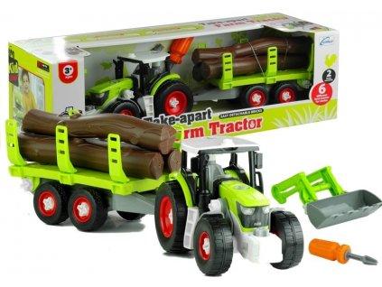 Traktor s přívěsem na dřevo