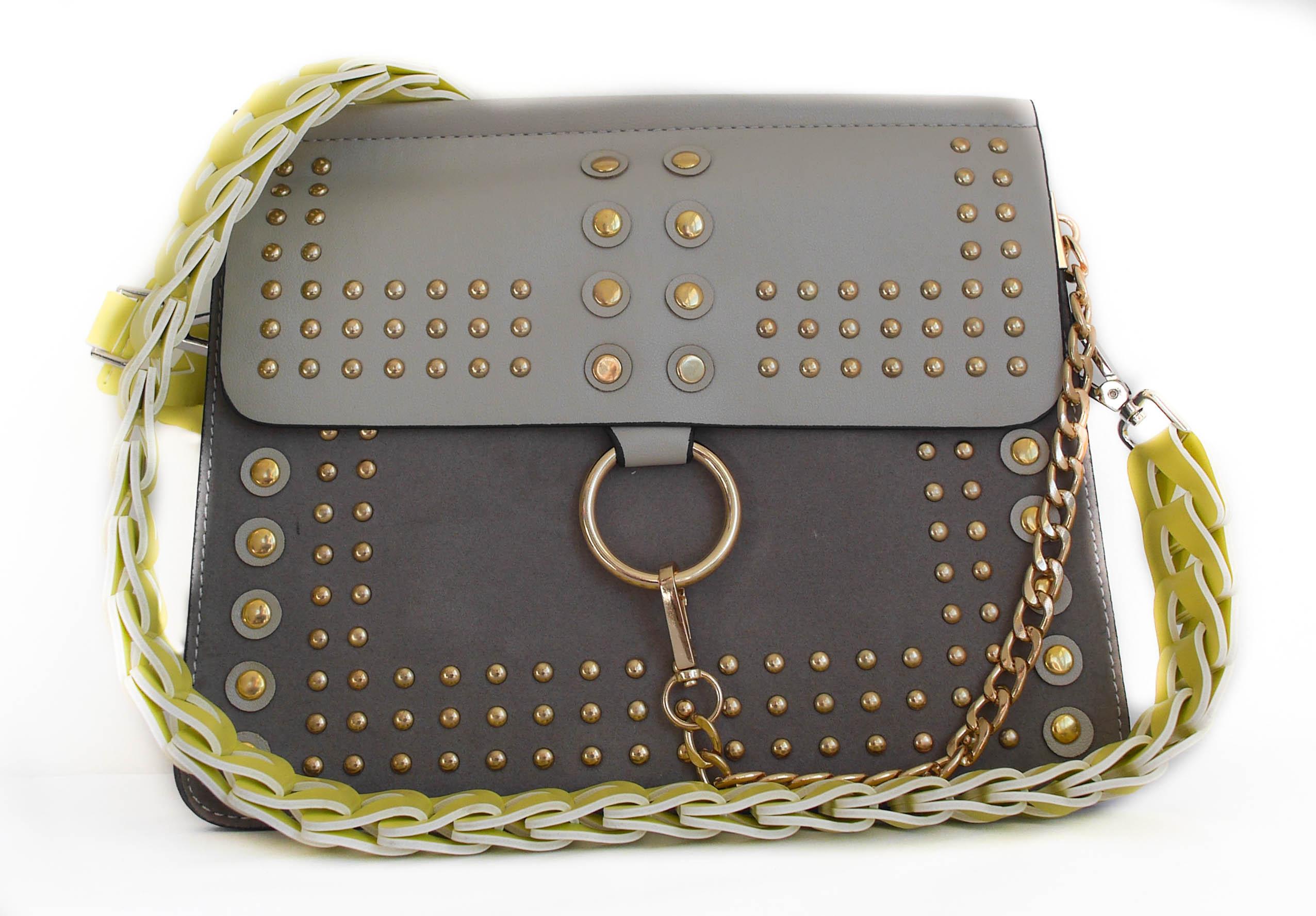 Rôzne kabelky s menovkou originálne