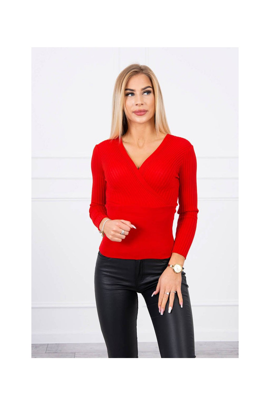 eng pl Thin sweater with a V neck red 19281 1